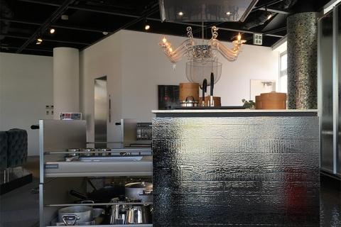 Cùng khám phá tủ chứa đồ nhà bếp hấp dẫn tại Nagoya!